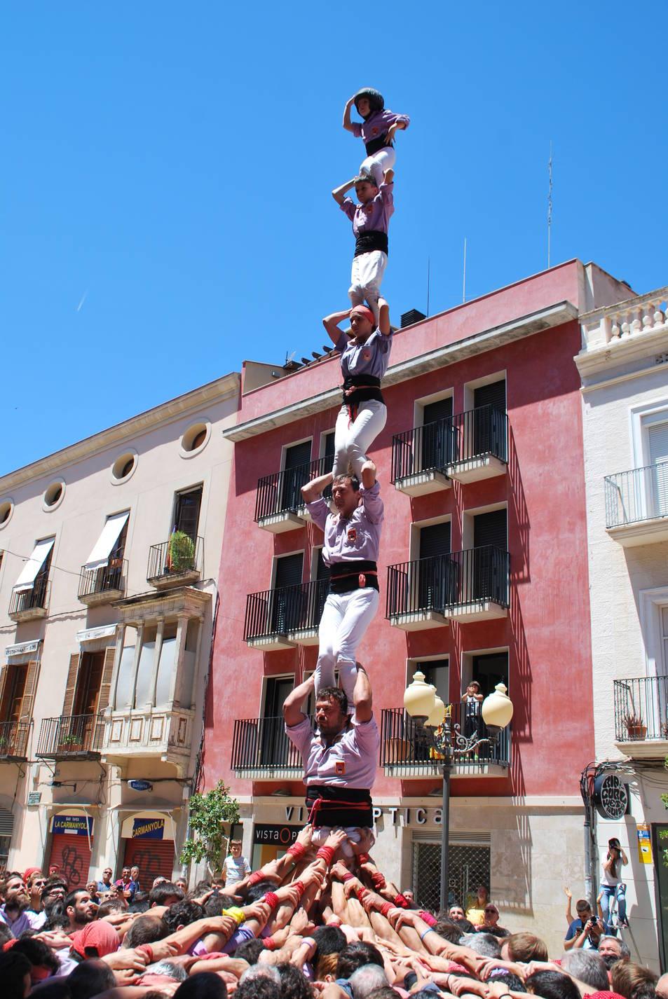 Pilar de 6 de la Colla Jove de Tarragona a la diada de La Grallada de Vilanova.