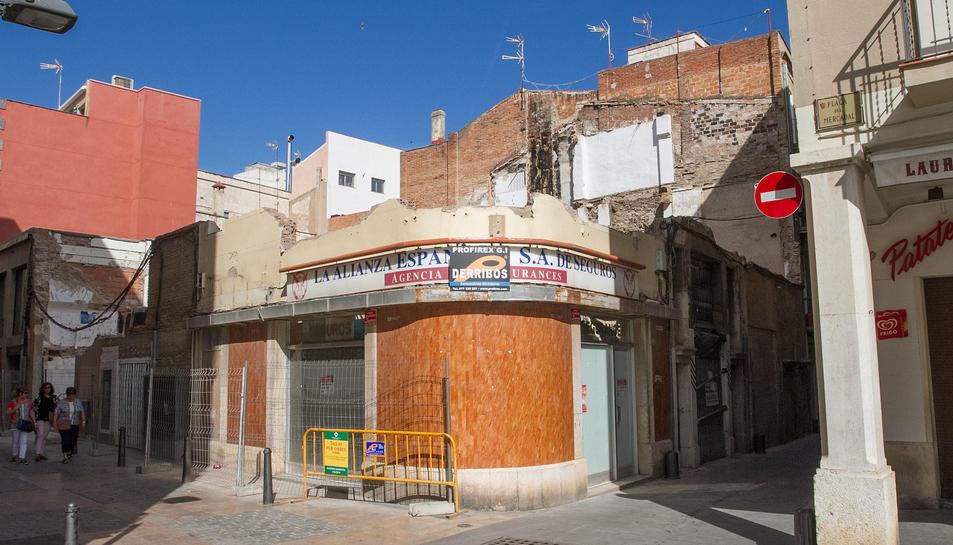 L'exterior d'una de les parts de la construcció.