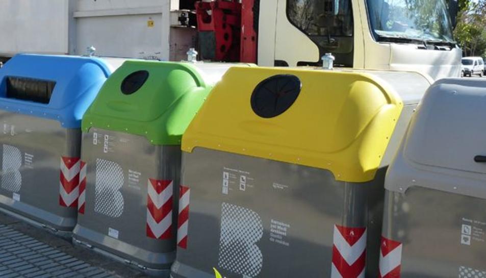 A partir de l'any vinent s'implantarà el sistema bilateral de contenidors al municipi.