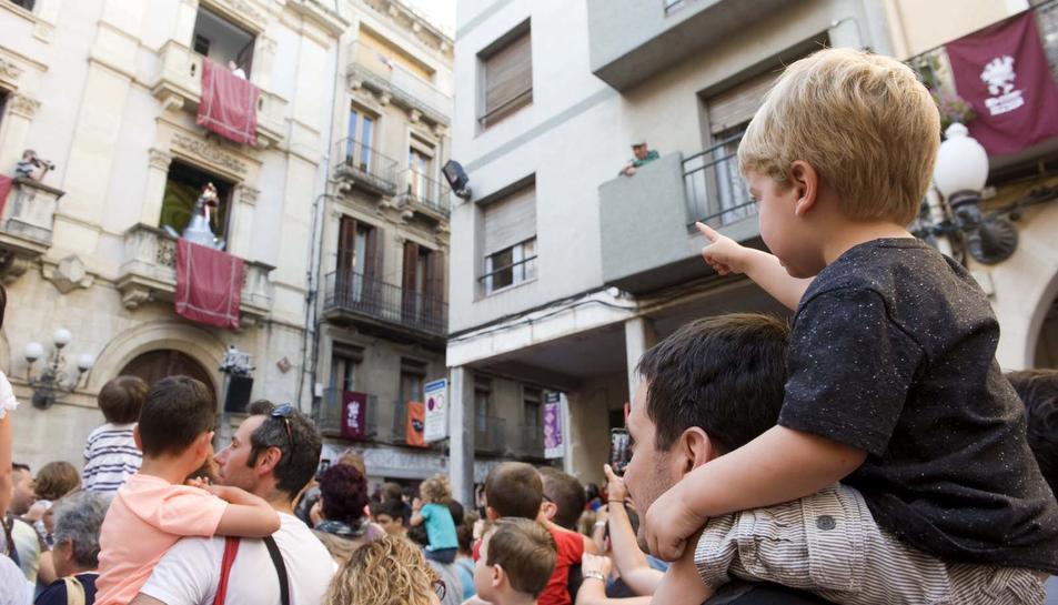El Águila de Valls llama a los ciudadanos en la Fiesta Mayor de Sant Joan