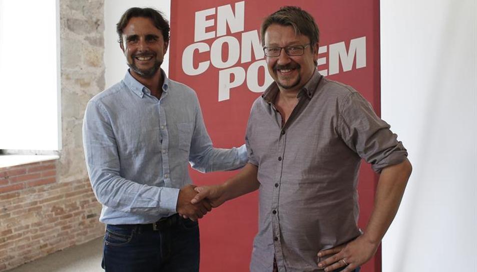 El cap de llista d'En Comú Podem, Xavier Domènech, amb Hervé Falciani.