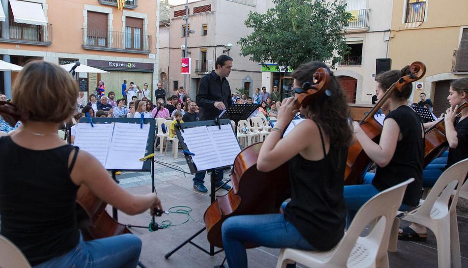 Imatge del concert a la plaça de l'Estudi de Vila-seca.
