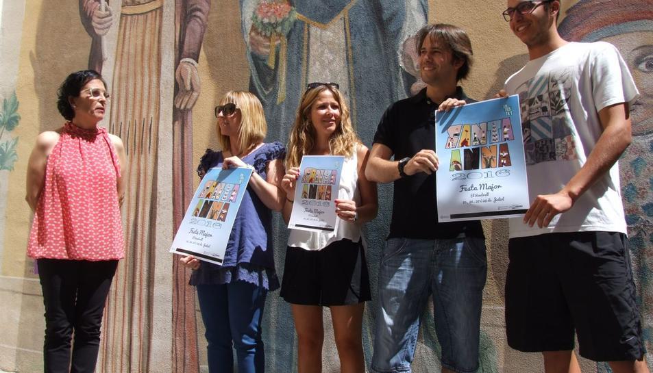 El nou cartell és fruiit de l'obra col·lectiva de sis joves vendrellencs.