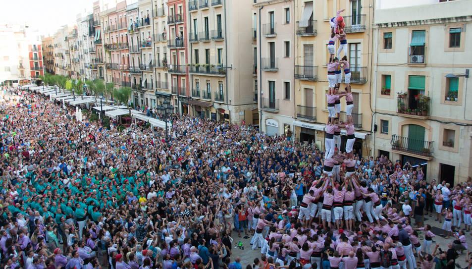3de9 amb folre dels Xiquets de Tarragona a la segona ronda.