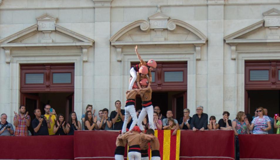 4de8 dels Xiquets de Reus a la segona ronda a la diada de Sant Pere.