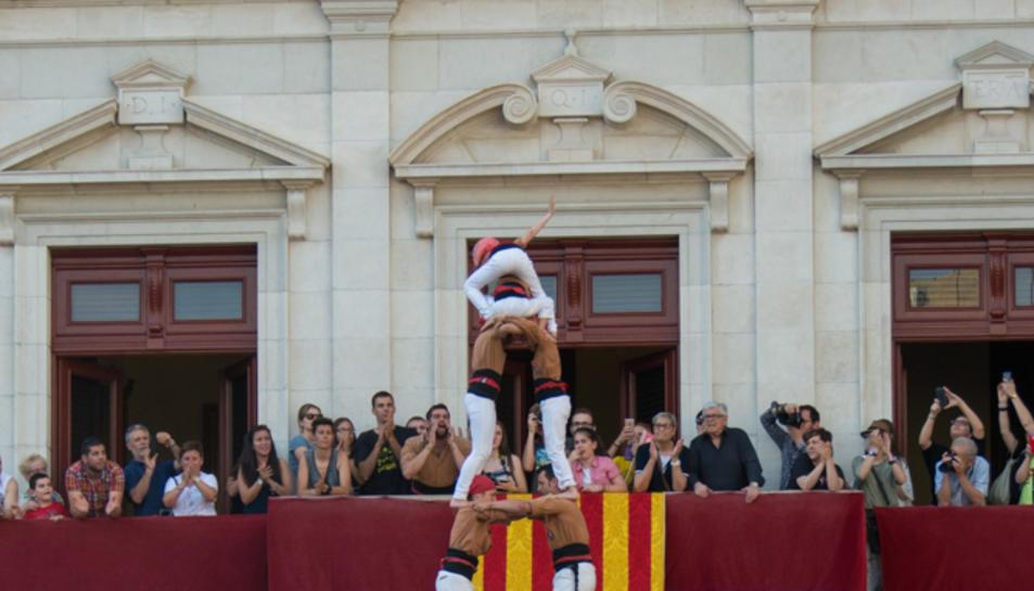2de8 folrat dels Xiquets de Reus a la tercera ronda a la diada de Sant Pere.