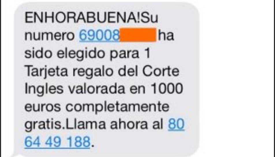 Mossos alerta d'una nova estafa via SMS que 'premia' el receptor amb una targeta regal del Corte Inglés