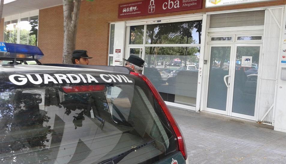Oficines al carrer Abat Escarré on es realitza l'escorcoll