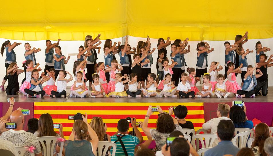 La gala de dansa té l'objectiu de recaptar diners i destinar-los a l'Hospital Sant Joan de Déu per l'investigació contra el càncer infantil