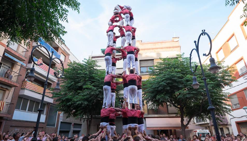 5de8 de la Colla Vella de Valls a la diada de Sant Pere al Serrallo.