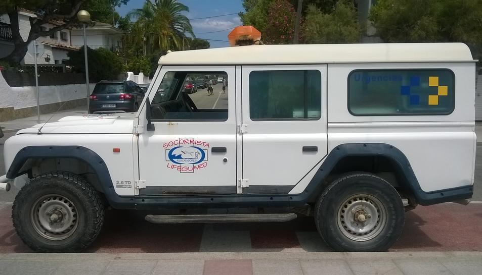Aquest és el vehicle que usen els socorristes a les platges del Vendrell.