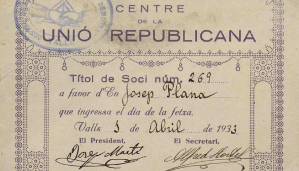 Prop d'una desena d'associacions i entitats tarragonines reben fons documentals dels Papers de Salamanca