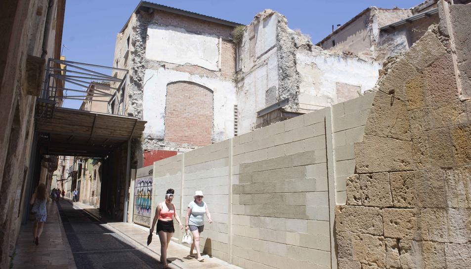 Imatge actual de l'espai que ocupava Casa Foixà, al carrer Cavallers.