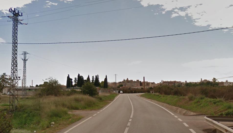 Un motorista mor en un xoc frontal contra un camió a la T-722 al Morell