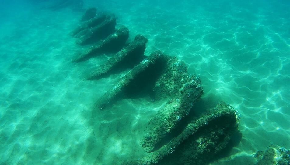 Dos submarinistes troben un vaixell enfonsat l'any 1937 davant d'Altafulla