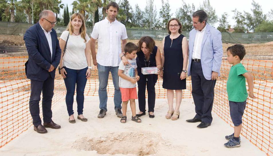 Col·locació de la primera pedra de l'escola britànica Jigsaw