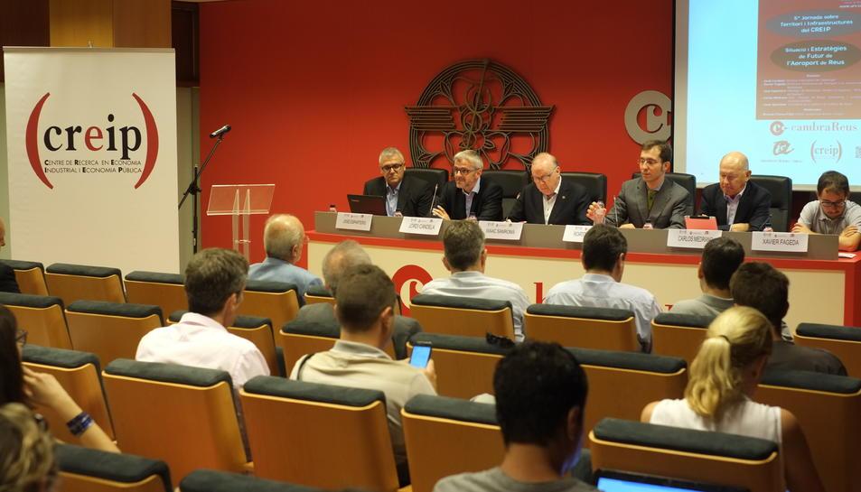 El director d'Aeroports de Catalunya assegura que econòmicament convindria tancar l'aeroport de Reus