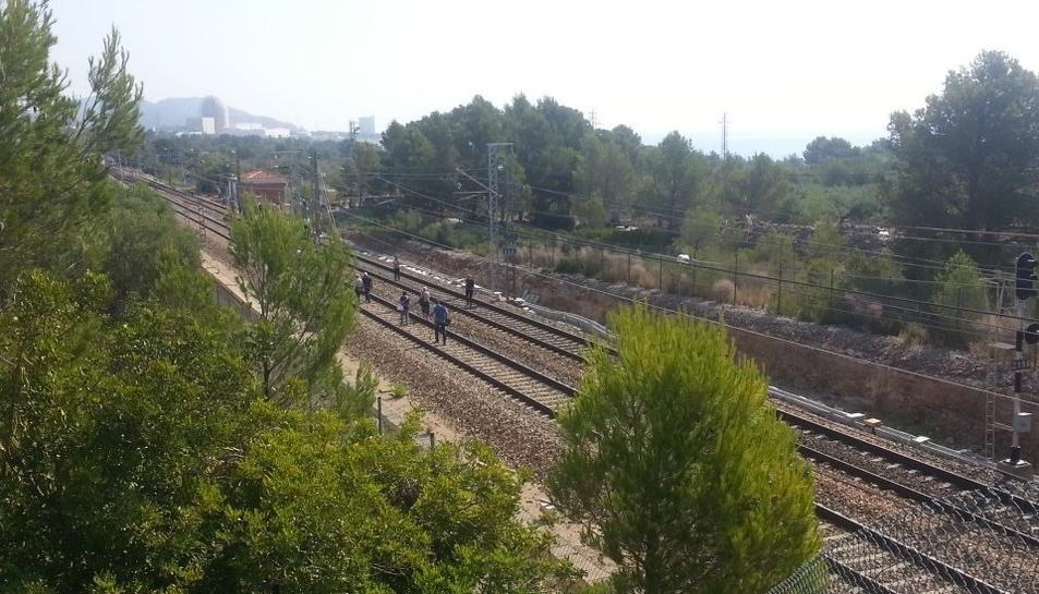 Minuts després de les deu del matí, 200 passatgers del tren eren evacuats.
