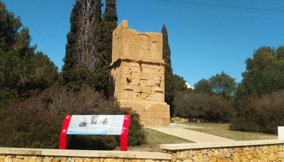 Imatge del nou plafó informatiu ubicat a la Torre dels Escipions.