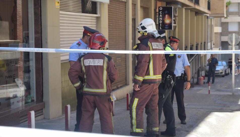 Els Mossos d'Esquadra investiguen les causes de l'explosió.