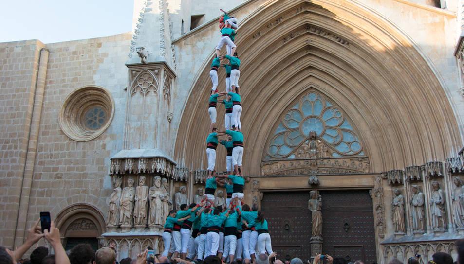 3de9 amb folre dels Castellers de Vilafranca a la diada del Pla de la Seu.