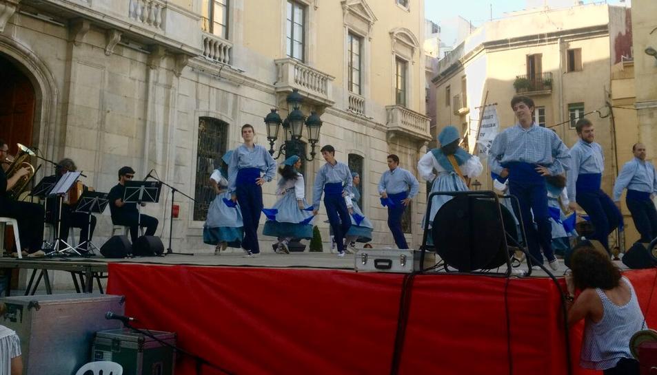 Representació de l'Esbart Dansaire de Tarragona