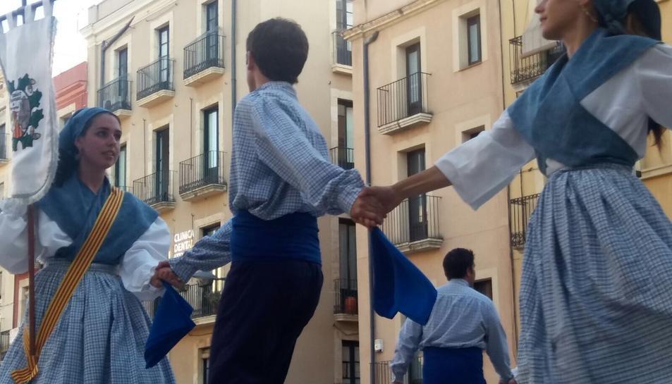 Tarragona es belluga al ritme del 26è Festival de danses tradicionals