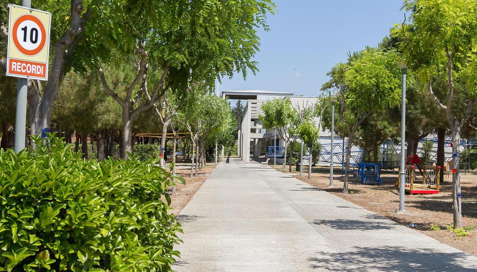 El centre de La Marinada disposa d'un gimnàs adaptat a l'aire lliure per a fer activitats.