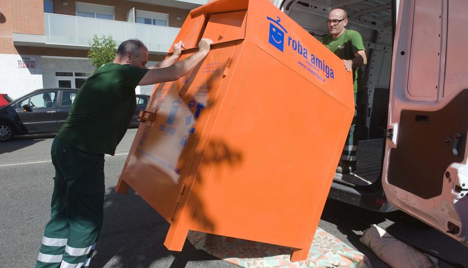 Els nous contenidors incorporen un sistema d'obertura on el pany no és a la vista i no es pot forçar.