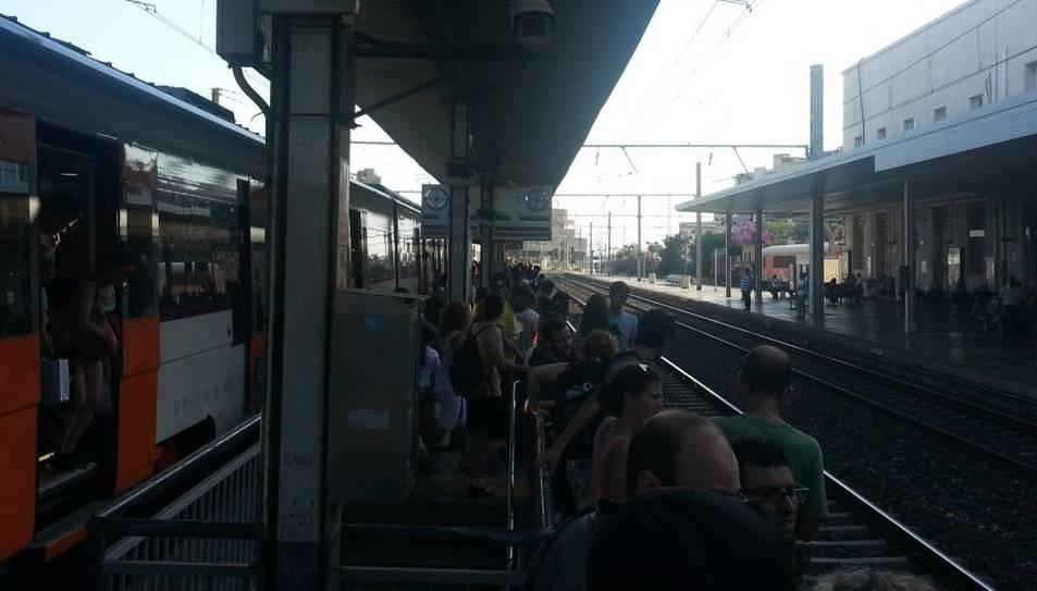 Incidències a l'estació de Mont-roig del Camp causen retards de 40 minuts a un tren de l'R-16 a Tarragona