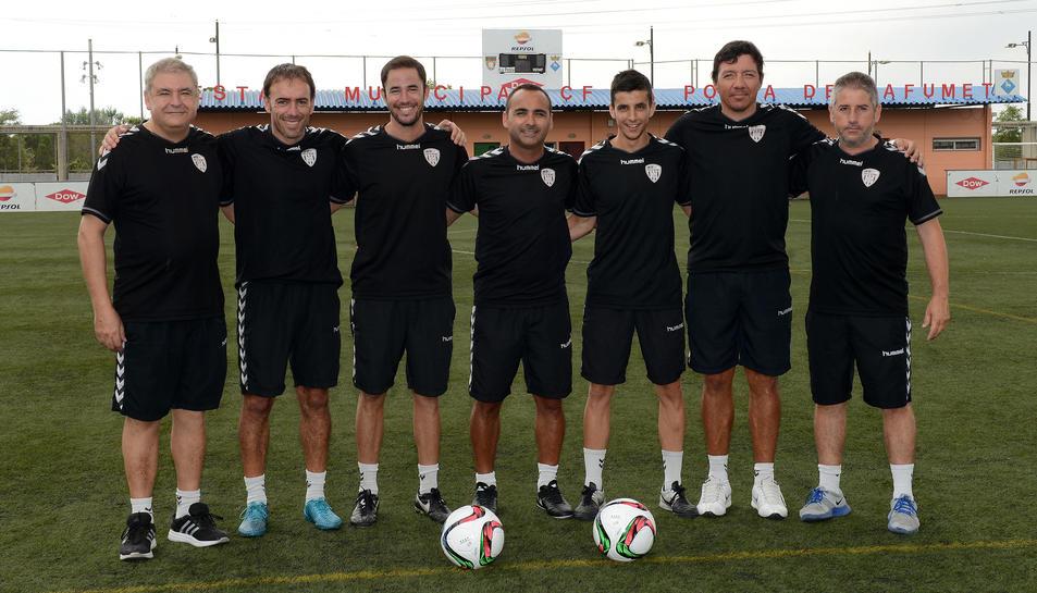 El cos tècnic del CF Pobla de Mafumet de la temporada 2016-17 al complet.