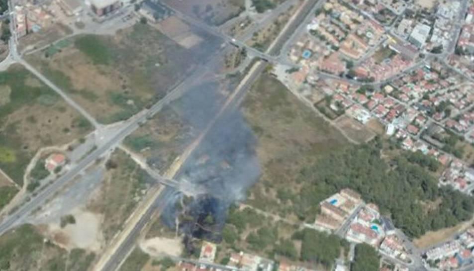 Declarats tres incendis de vegetació al Pla de Santa Maria, Reus i Torredembarra