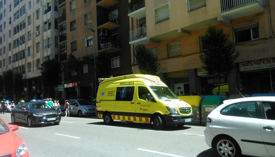 Assisteixen un home de 88 anys que ha mort al carrer Pere Martell