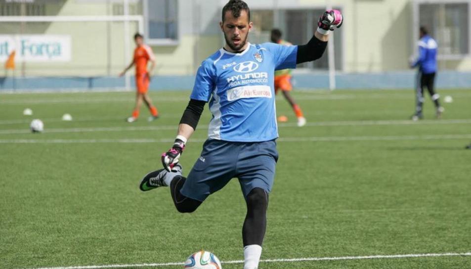 Josep Perales, entrenant.