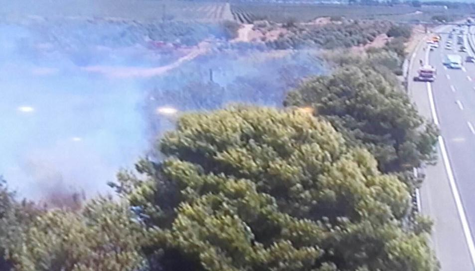 Dos incendis actius cremen a Tarragona