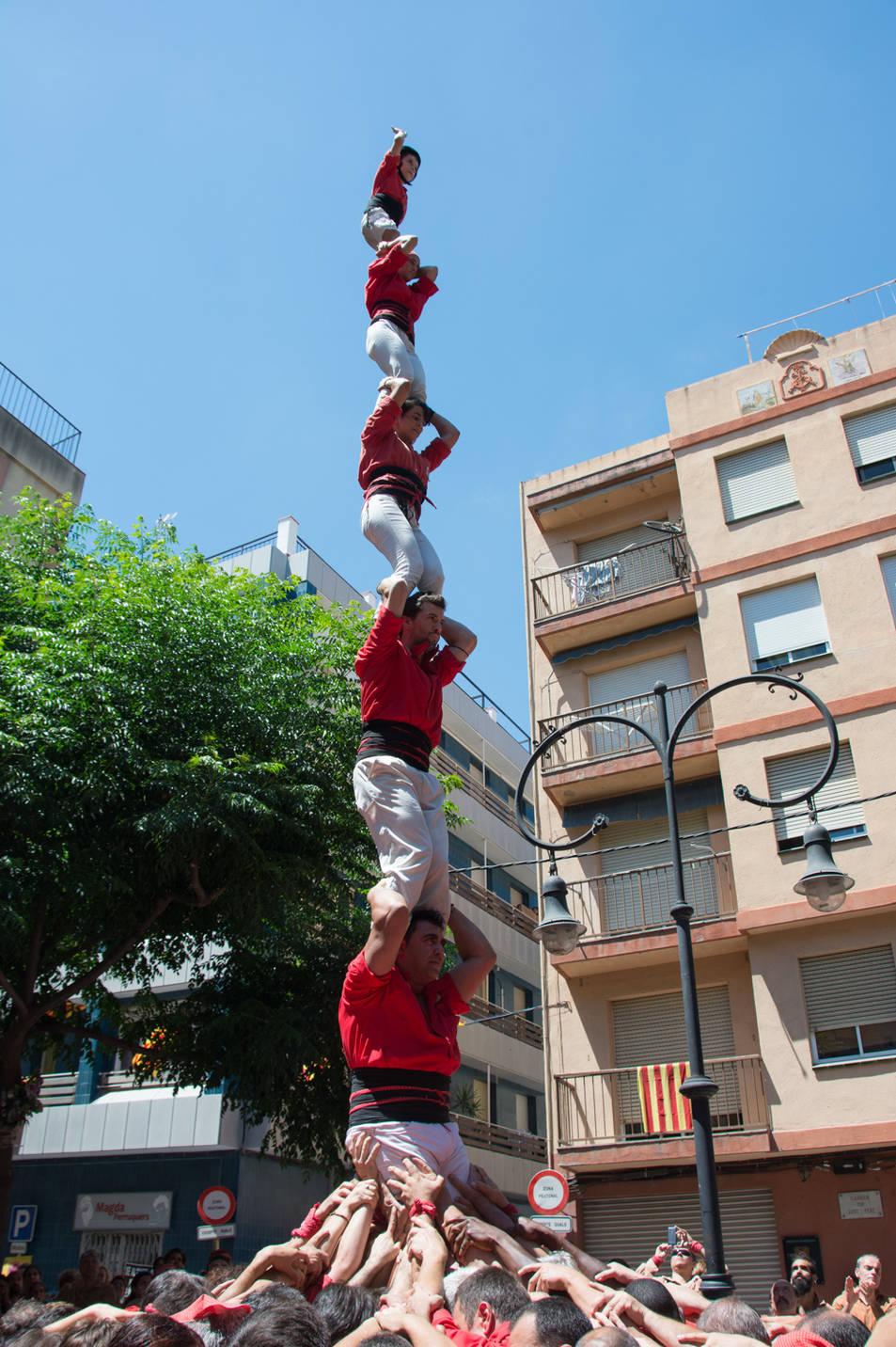 Pilar de 6 dels Castellers de Barcelona a la diada de la Verge del Carme.