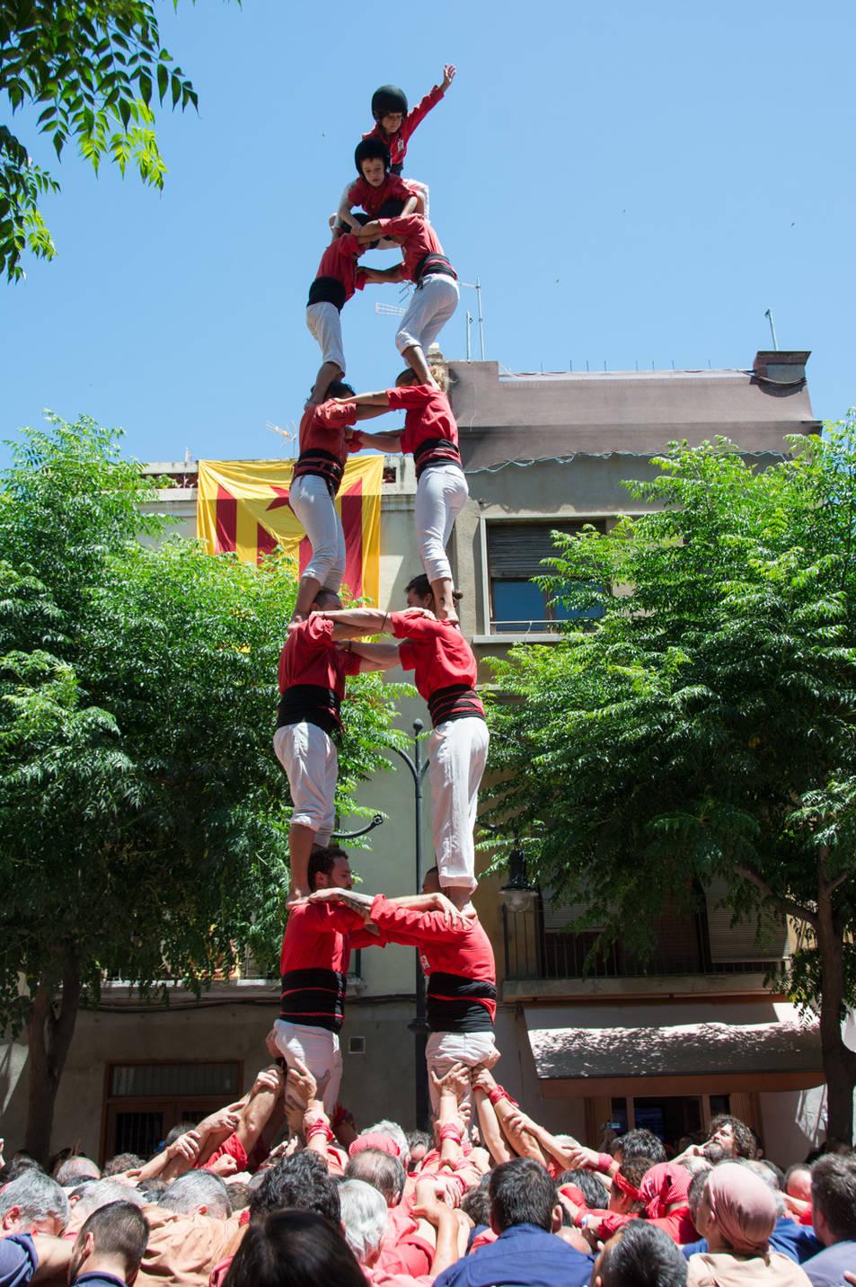 2de7 dels Castellers de Barcelona a la diada de la Verge del Carme.