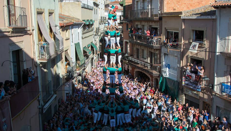 4de9 amb folre dels Castellers de Vilafranca a la Diada del Quadre de Santa Rosalia.