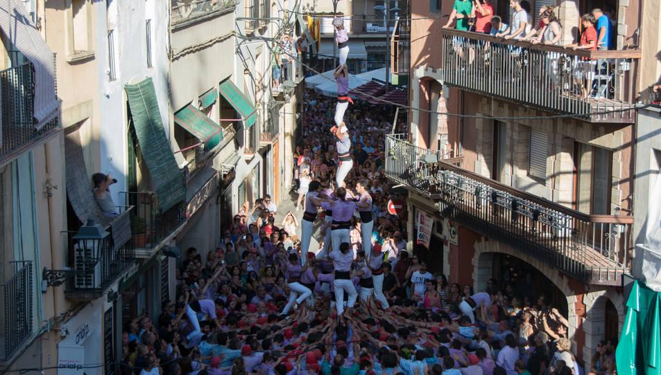 4de8 amb el pilar de la Jove de Tarragona a la Diada del Quadre de Santa Rosalia.