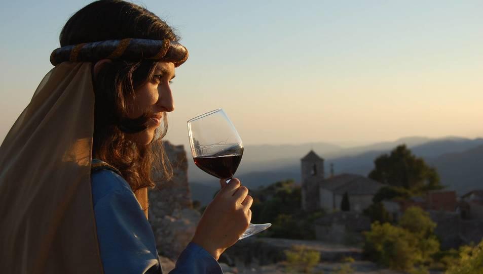 Maridatge de vins, llegendes i postes de sol a Siurana