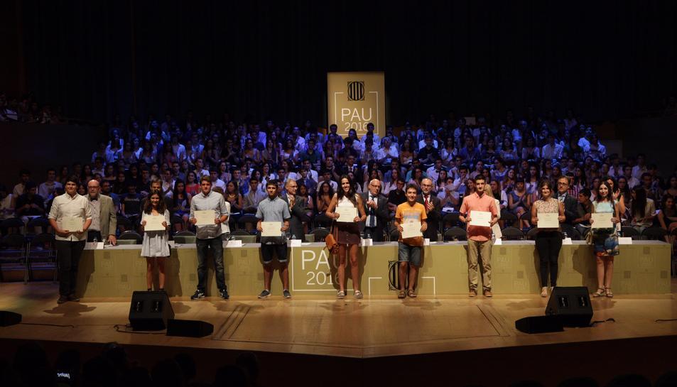 La Generalitat reconeix a una trentena d'estudiants de la demarcació que van obtenir un Excel·lent a les PAU