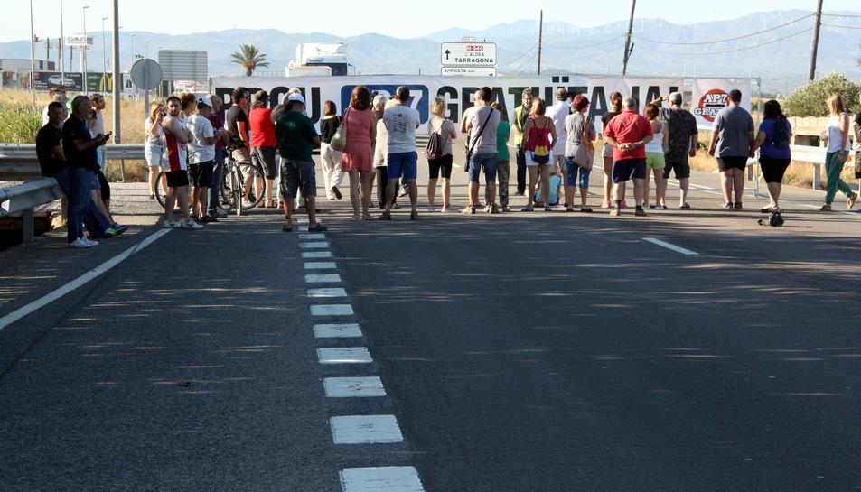 Els alcaldes del Pacte de Berà i les Terres de l'Ebre criden els ciutadans a tallar l'N-340 el 29 de juliol