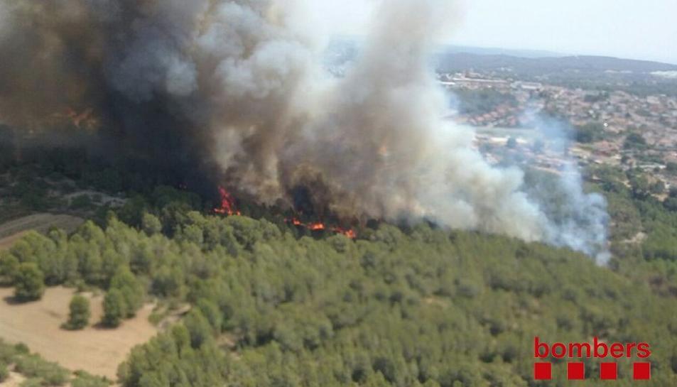 Nou incendi a Pallaresos, a la zona d'Els Hostalets