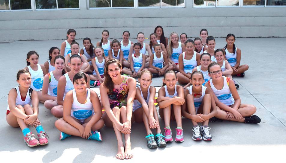 Cristina Salvador ofereix una màster class al Club Natació Tàrraco
