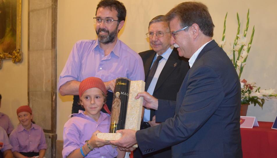 Lliurament de la faixa a la Jove de Tarragona