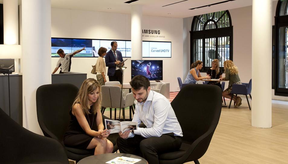 CaixaBank obre a Reus una oficina orientada a fomentar la proximitat amb la clientela