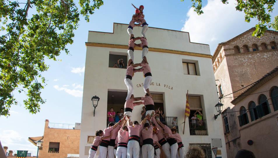 2de8 folrat dels Xiquets de Tarragona a la diada de festa major de La Riera.