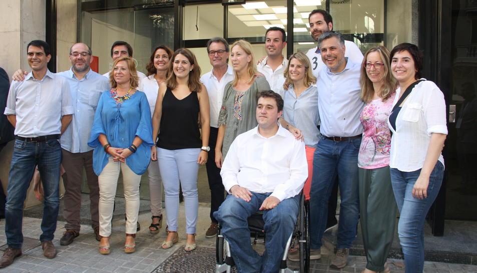 Imatge de família de la nova presidència i direcció del PDC.
