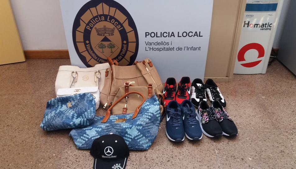 La Policia Local i els Mossos fan vuit comissos de productes comprats al top manta