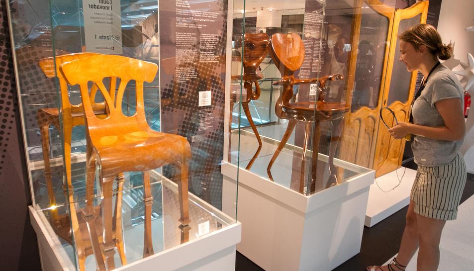 El Gaudí Centre incorpora dues cadires gaudinianes